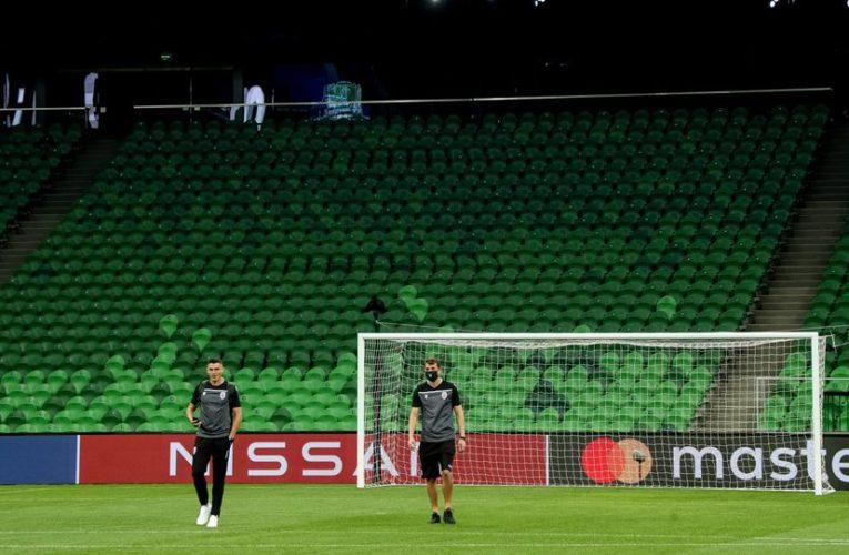 Ποδοσφαιρικοί αγώνες: Ανακαλείται η απόφαση για φιλάθλους στα γήπεδα