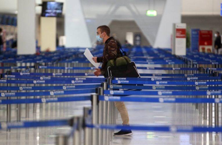 Αναθερμαίνονται οι ελπίδες για τον τουρισμό – Κρίσιμες αποφάσεις μέσα στη βδομάδα από τη Βρετανία
