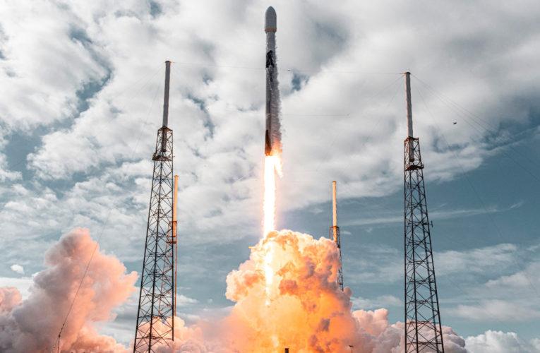 Εντυπωσιακό: Νέο παγκόσμιο ρεκόρ εκτόξευσης 143 μικρών δορυφόρων της Space X