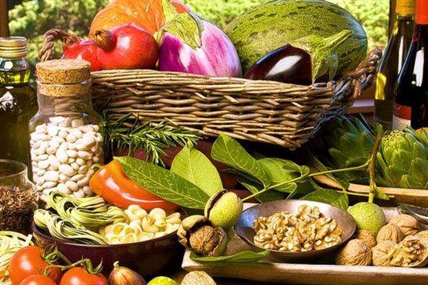 Μεσογειακή διατροφή 🍅🥒🧅🥕🥦: Μια διατροφική συνήθεια εμπνευσμένη από την Ελλάδα, την Ιταλία, τη Γαλλία και την Ισπανία του ΄40 και του ΄50!