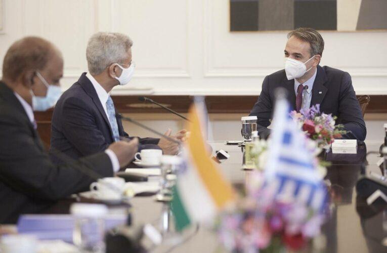 Συνάντηση Μητσοτάκη με τον Ινδό ΥΠΕΞ: Επί τάπητος η οικονομική συνεργασία