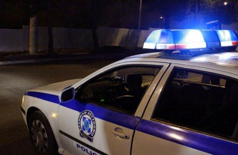 Βόρεια προάστια: Σύλληψη «τσαντάκια» που χτυπούσε θύματα με αυτοκίνητο για να τα ληστέψει