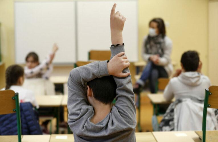 Γ. Οικονόμου: 4 με 7 τεστ την εβδομάδα θα κάνουν οι μαθητές