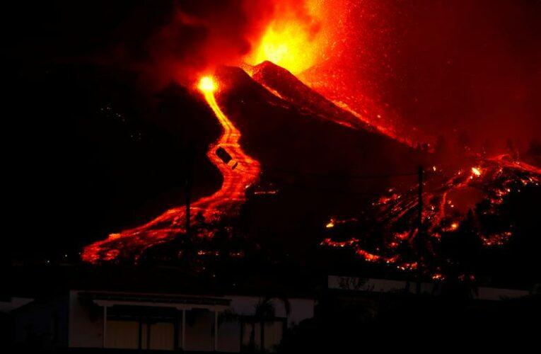 Έκρηξη ηφαιστείου – Λα Πάλμα: Πλημμυρίζουν οι δρόμοι από λάβα (pics+vids)