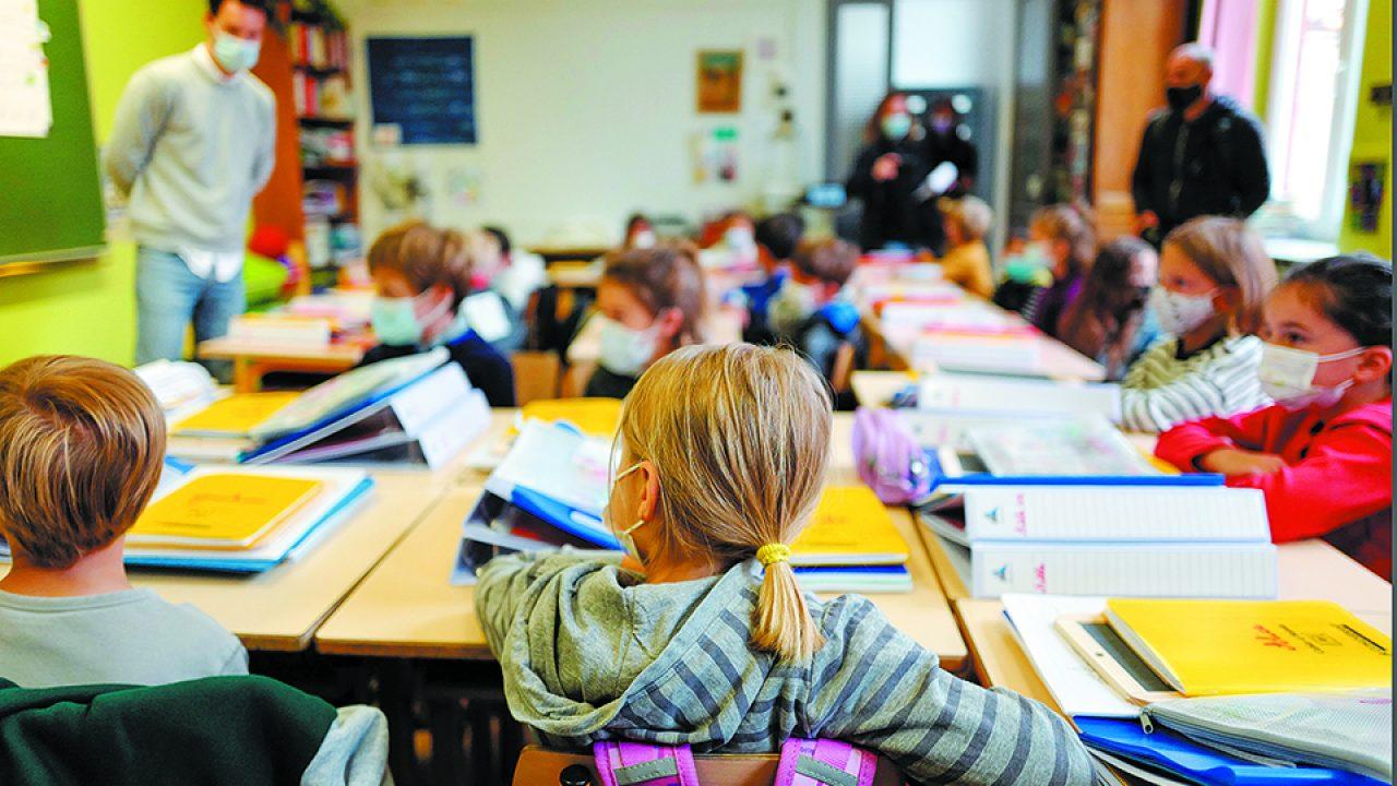 Με τέσσερα έως επτά δωρεάν τεστ για μαθητές, αν βρεθεί κρούσμα στην τάξη