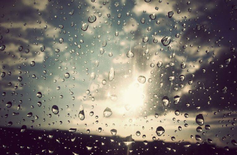 Καιρός: Πτώση της θερμοκρασίας, βροχές και ισχυροί άνεμοι