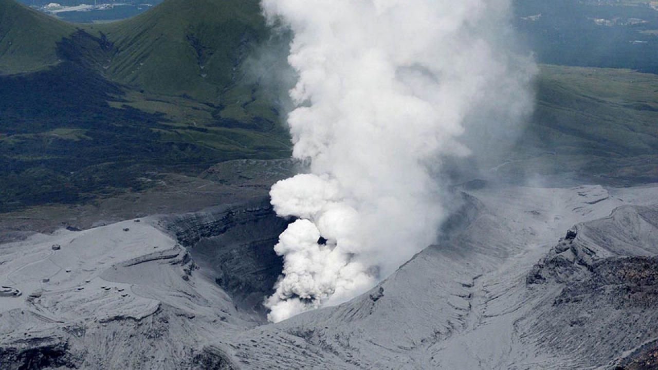 Ηφαιστειακή έκρηξη στο Όρος Άσο της Ιαπωνίας - Σε επιφυλακή οι τοπικές αρχές