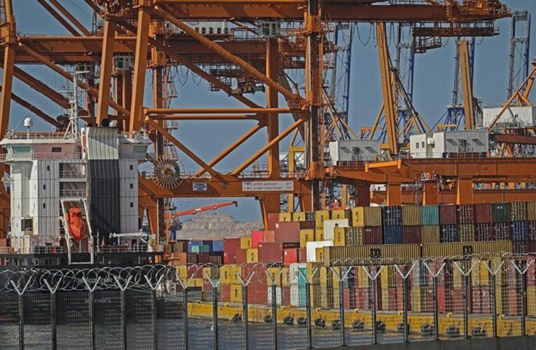 Τραγικό δυστύχημα στον Πειραιά: Εργάτης χτυπήθηκε θανάσιμα από γερανογέφυρα